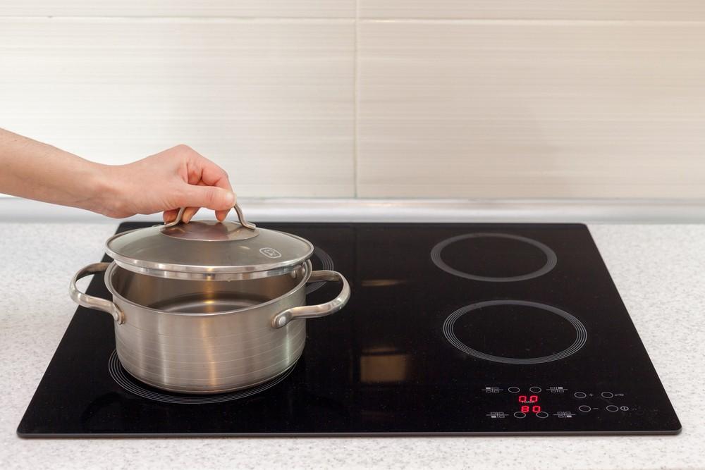 Kuchnia fit – jakie garnki wybrać do gotowania bez tłuszczu?