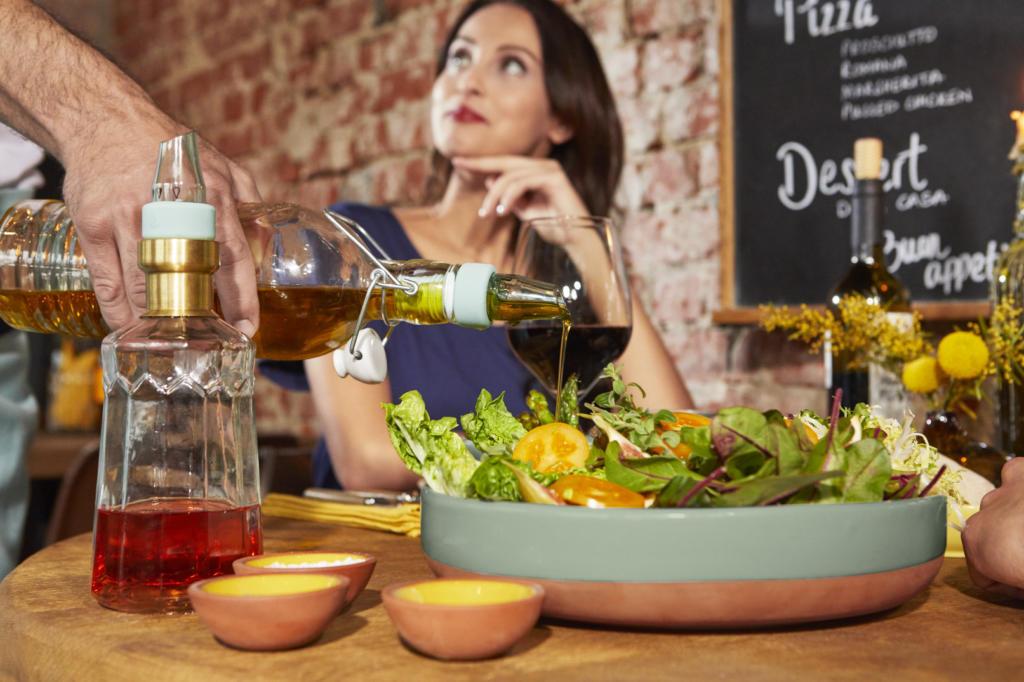 magazynkobiet.pl - 99833 01 VMLKombi OelAusgiesser verstellbar 2er 11 223 opi 1024x682 - Włoski styl w modzie i w kuchni od Tchibo!
