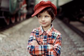 magazynkobiet.pl - cap 2923682 960 720 330x220 - W co warto ubierać dziecko do szkoły?