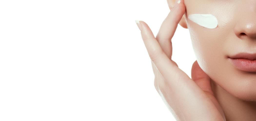 magazynkobiet.pl - adobestock 215487663 1050x496 - Piękna skóra w każdym wieku. Kompleksowa pielęgnacja 60+