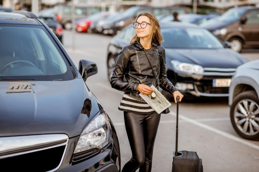 magazynkobiet.pl - o czym pamietac wynajmujac samochod na weekend z przyjaciolmi za miastem 1050x700 - O czym pamiętać wynajmując samochód na weekend z przyjaciółmi za miastem?