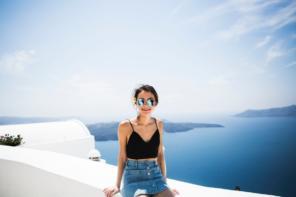 Jak wybrać okulary przeciwsłoneczne, aby wyglądać modnie i nowocześnie?