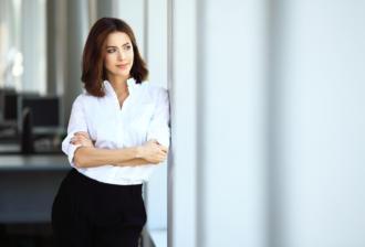 magazynkobiet.pl - woman 330x224 - 7 aplikacji na smarfona dla kobiet