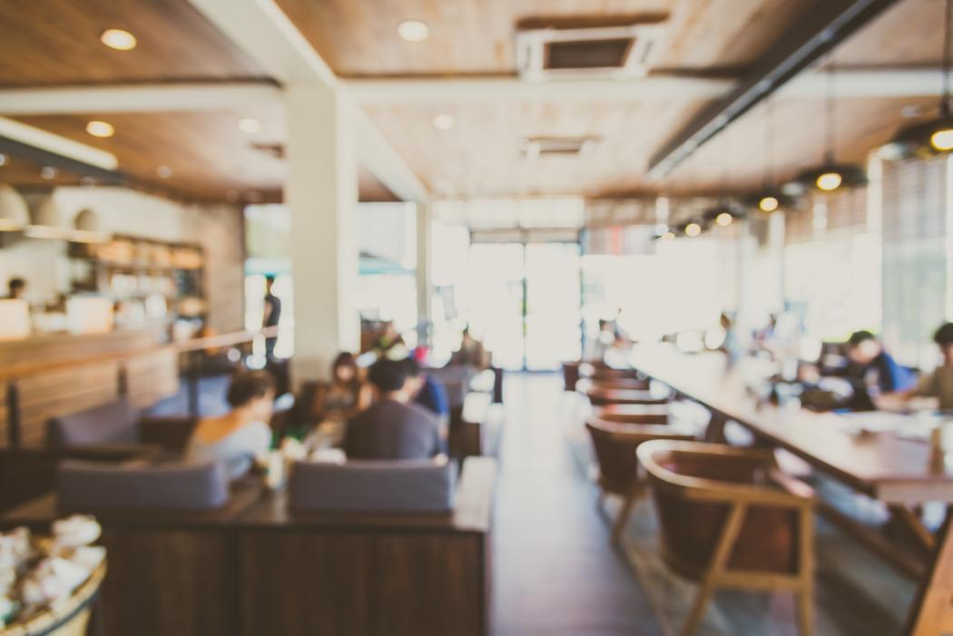 magazynkobiet.pl - Jak oszczędzać prąd w restauracjach i hotelach Poznaj sposoby 1050x701 - Jak oszczędzać prąd w restauracjach i hotelach? Poznaj sposoby