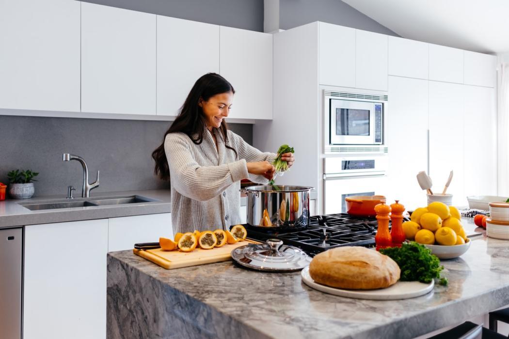 magazynkobiet.pl - photo 1556911073 a517e752729c 1050x700 - Firany do kuchni i najlepsze rozwiązanie dla mieszkania