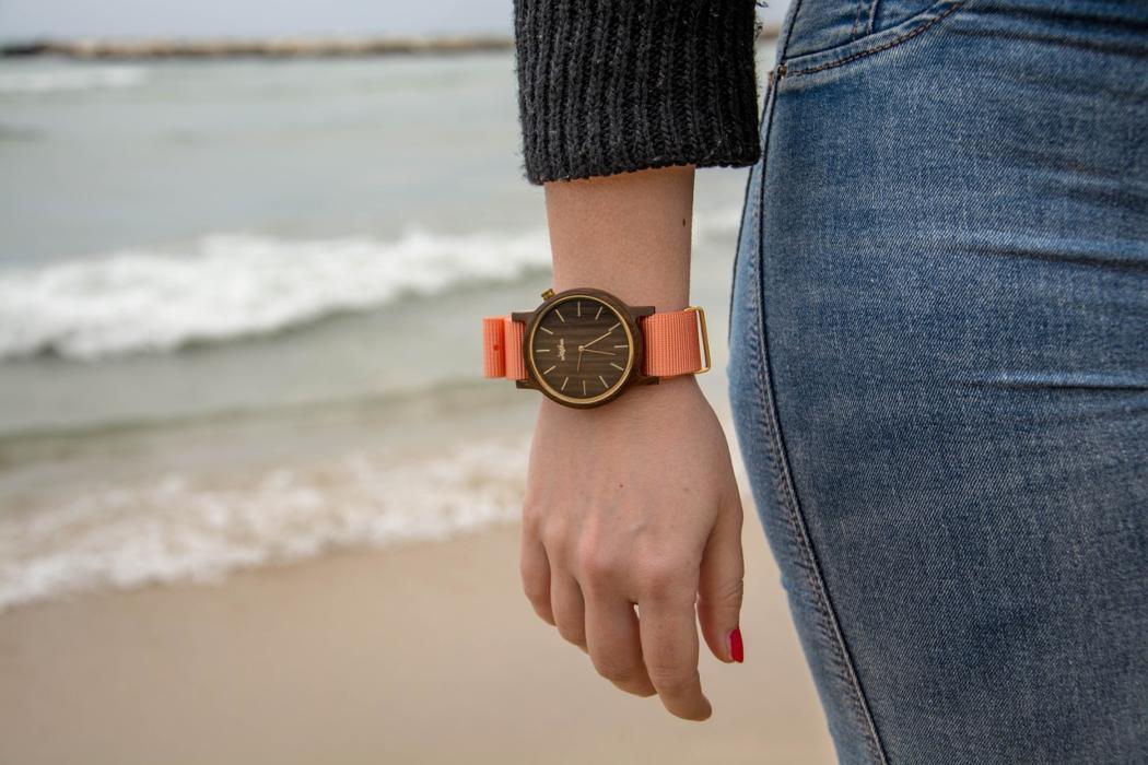 magazynkobiet.pl - wooden watches 1487294 1280 1050x700 - Balticus – zegarki kobiet niezależnych?