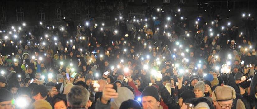 magazynkobiet.pl - 13.01 Światełko dla Prezydenta Pawła Adamowicza - Dzieje się w styczniu - kalendarium Mademoiselle