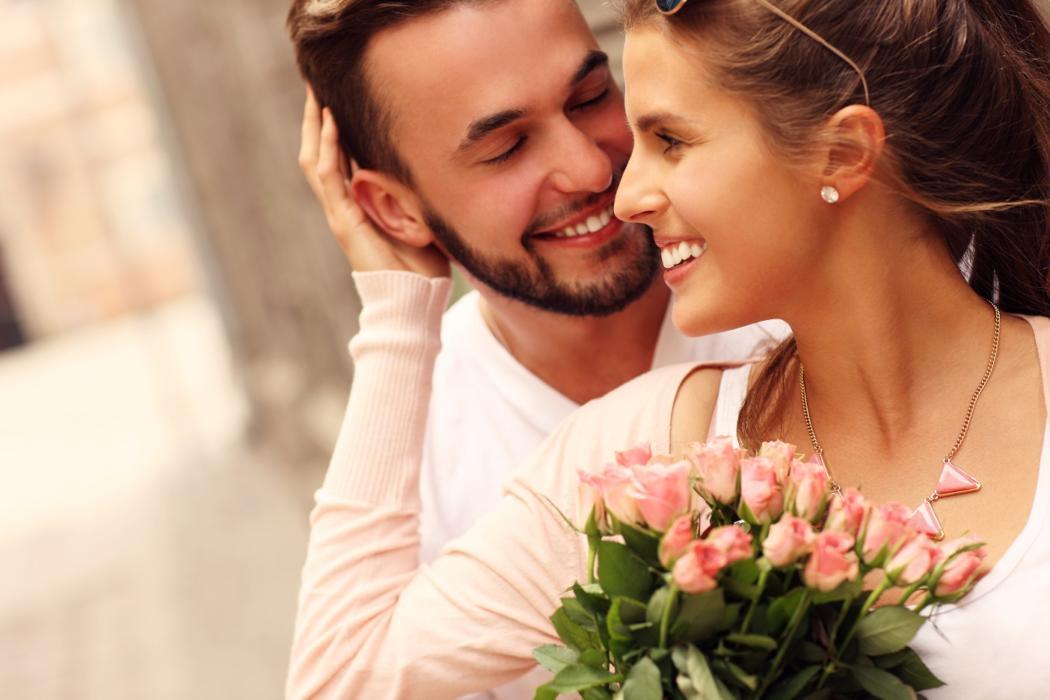 magazynkobiet.pl - ce94124ca78cf4de225beafcbf08ad49 1050x700 - TOP 5 pomysłów na prezent na rocznicę ślubu