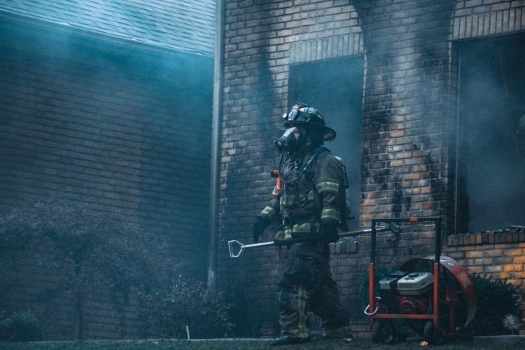 magazynkobiet.pl - photo 1504667290505 eee11f23905a 1050x700 - Strażakiem się jest, a nie tylko bywa