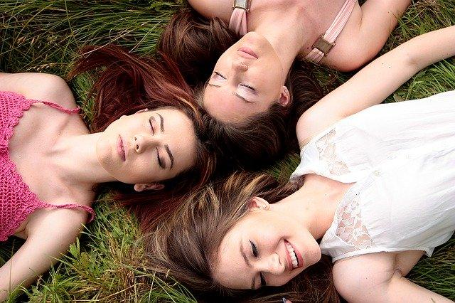 magazynkobiet.pl - zdjecie publikacja 7504 magazynkobiet.pl  - Jakie sukienki będą modne wiosną i latem 2020 roku?