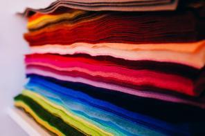 Garnitur na nowo, czyli modnie i kolorowo
