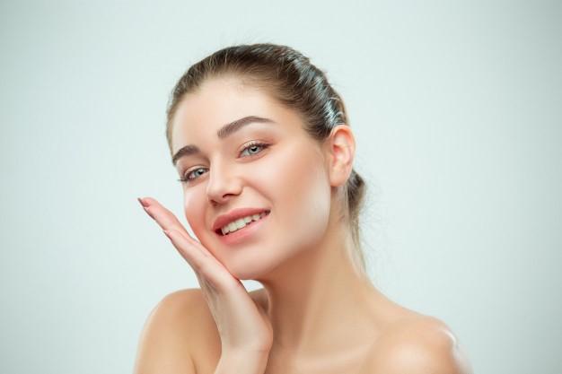 magazynkobiet.pl - hydrolaty - Dlaczego warto zdecydować się na naturalne hydrolaty do twarzy?