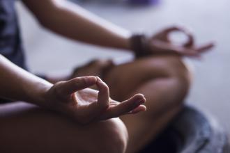 magazynkobiet.pl - 1 2 330x220 - Jak medytować – poradnik dla początkujących