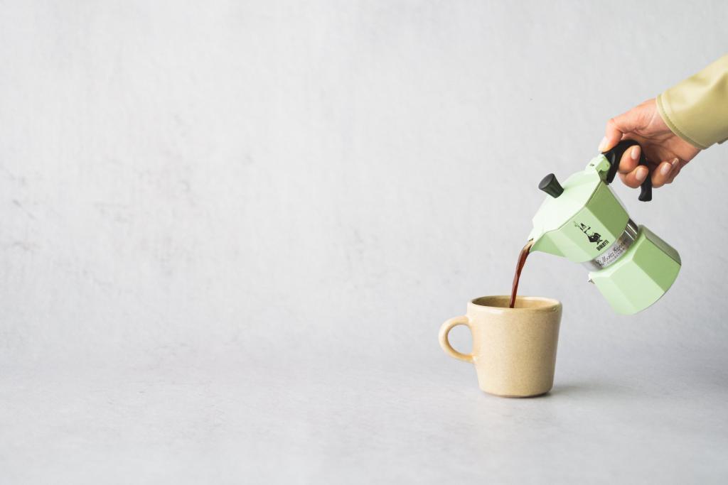 magazynkobiet.pl - JJF13065 1024x683 - Dzień odmierzany ziarnami kawy