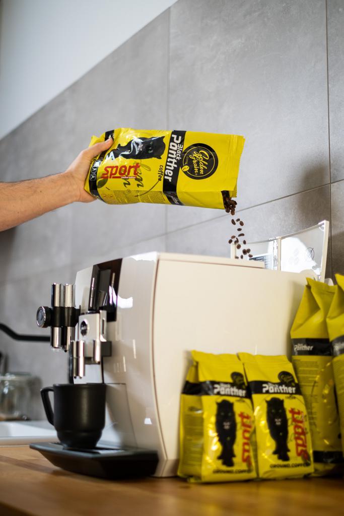 magazynkobiet.pl - black panter PJ 20 683x1024 - Dzień odmierzany ziarnami kawy