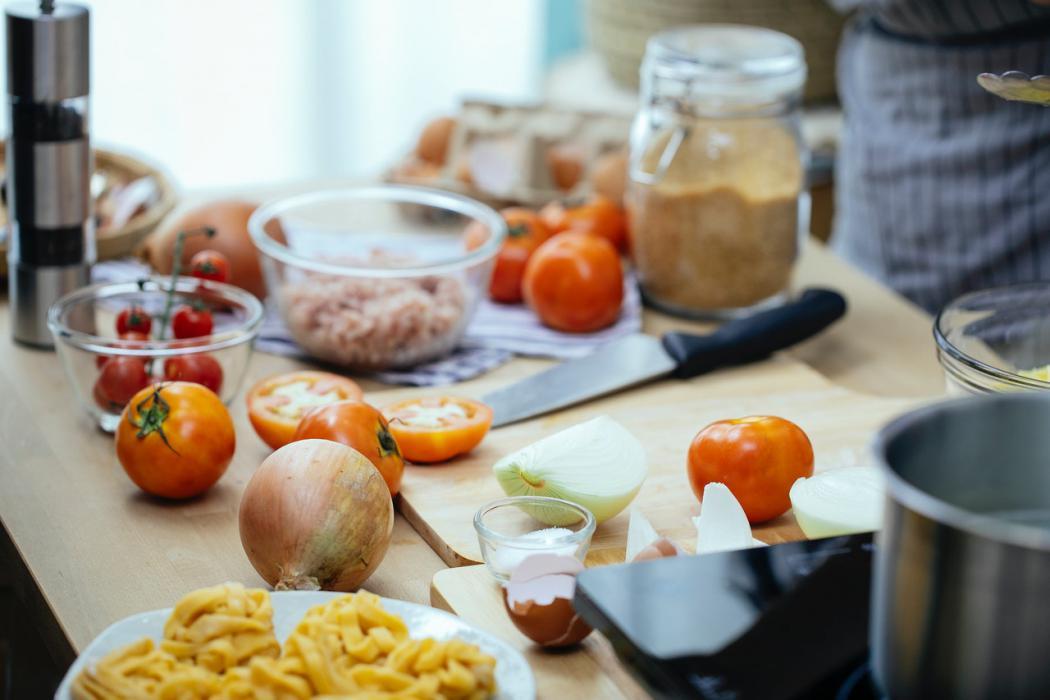 magazynkobiet.pl - 5 posiłków dziennie – czy faktycznie warto stosować się do tej zasady magazynkobiet 1050x700 - 5 posiłków dziennie – czy faktycznie warto stosować się do tej zasady?