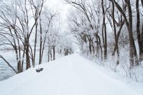 Zimowe spacery z wózkiem – co robić, by nie zmarznąć?