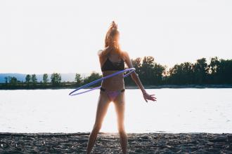 magazynkobiet.pl - photo 1566877358497 753690bc665b 330x220 - Efektywny trening z hula-hop