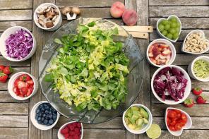 Trzy pomysły na sycące śniadania dla dzieci i dorosłych