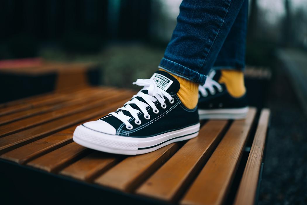 magazynkobiet.pl - converse buty 1050x701 - Za co uwielbiamy buty Converse?