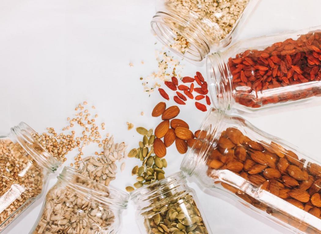magazynkobiet.pl - fsfd1fx4vmXm8yc 1050x767 - Przestań marnować jedzenie: Rady, jak we właściwy sposób przechowywać artykuły spożywcze.
