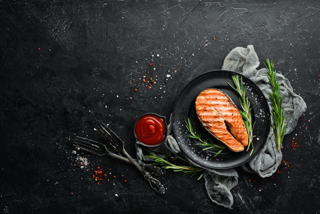 magazynkobiet.pl - adobestock 302506512 easy resize.com  1050x701 - Ryba z grilla: jaką wybrać i jak przyrządzić?