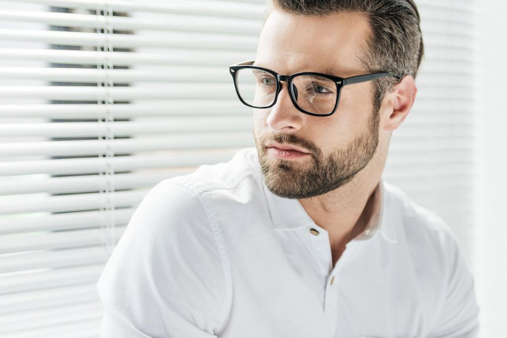 magazynkobiet.pl - okulary2 1024x683 - Trendy i moda w świecie okularów