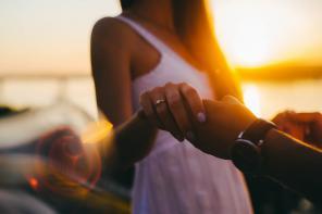 Pierścionki zaręczynowe – jak poznać rozmiar?