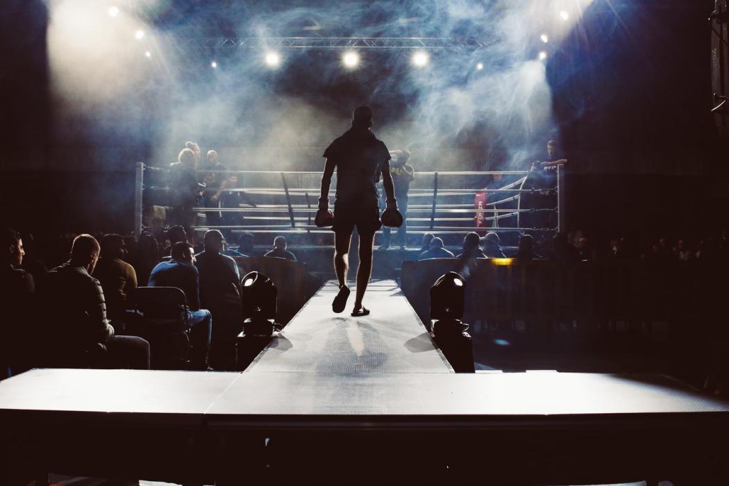 magazynkobiet.pl - photo 1552072092 7f9b8d63efcb 1050x700 - Boks i MMA – rywalizacja dyscyplin czy wzajemne uzupełnienie?