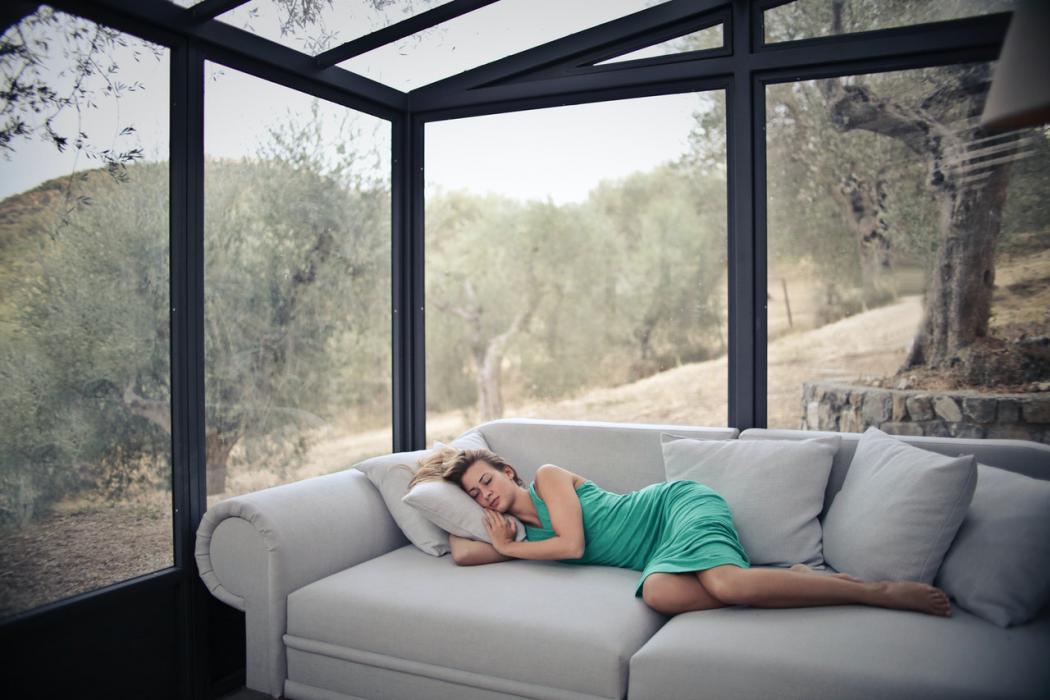 magazynkobiet.pl - Sposoby na szybkie zasypianie. Co zrobić aby szybko zasnąć 1050x700 - Sposoby na szybkie zasypianie. Co zrobić, aby szybko zasnąć?