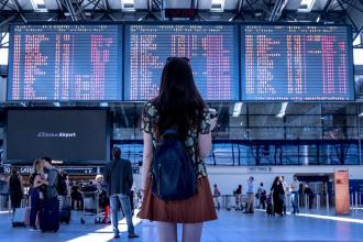 magazynkobiet.pl - airport 2373727 1280 330x220 - Dojazd na lotnisko- wybieramy najbardziej komfortowe sposoby podróżowania