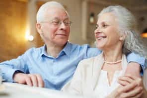 Przyjemna jesień życia. Komfort psychiczny bliskich – te domy seniora potrafią to zapewnić