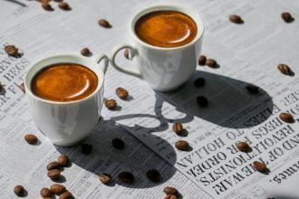 magazynkobiet.pl - filizanki do espresso 330x220 - Jak przygotować doskonałe espresso?