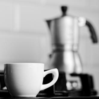 magazynkobiet.pl - 20210713155915 g09001792f3b7f0135df4ca4dd99c98af02ec352d1edc1e1e0972f396d818df57c34c26626960ff4905660e884510f4e74255b5b81a18ea277bbbdf57793d4432 1280.jpg 330x330 - Kawiarki ciśnieniowe - wybierz najlepszą i ciesz się smakiem pysznej kawy