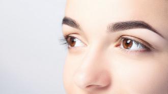 magazynkobiet.pl - Obraz1 330x186 - Jak zadbać o pielęgnację stref okolic oczu?