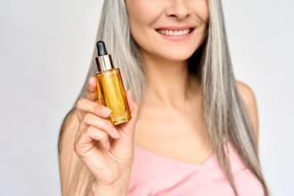 magazynkobiet.pl - ampulki do wlosow 330x220 - Ampułki do włosów na piękne i lśniące włosy
