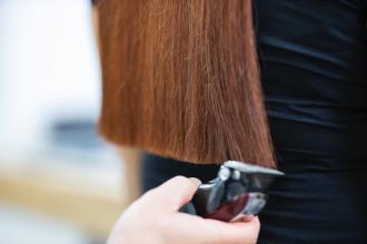magazynkobiet.pl - engin akyurt nAeap3cef8k unsplash 330x220 - Jaka maszynka do włosów dla salonu fryzjerskiego?