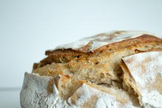 magazynkobiet.pl - photo 1589569444360 61ed59c6e2be 330x220 - Pojemnik na chleb - produkt pierwszej potrzeby